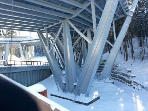 Vem bygger ett gigantisk bro för skidskytte? Jo Ryssarna..